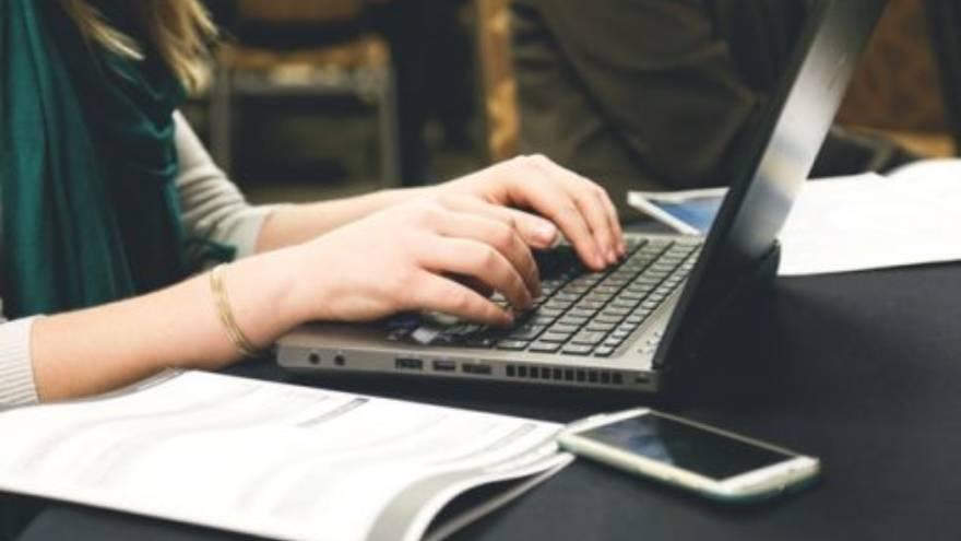 Muchos profesores pueden trabajar desde casa y dar clases online