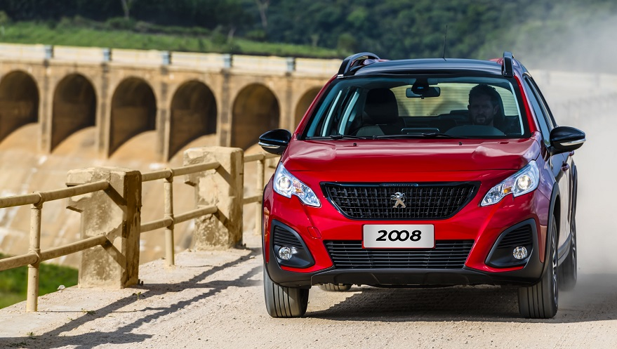 El Peugeot 2008 adopta la nueva línea de diseño de la marca.