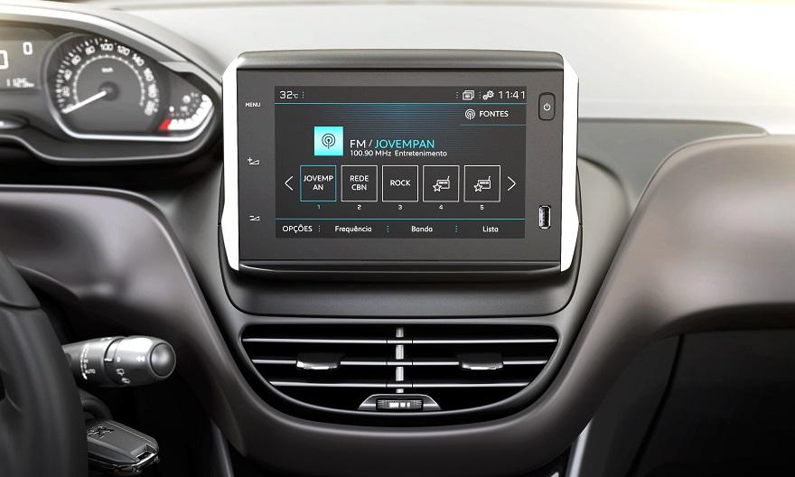 El interior del Peugeot 2008 suma nuevas tecnologías.