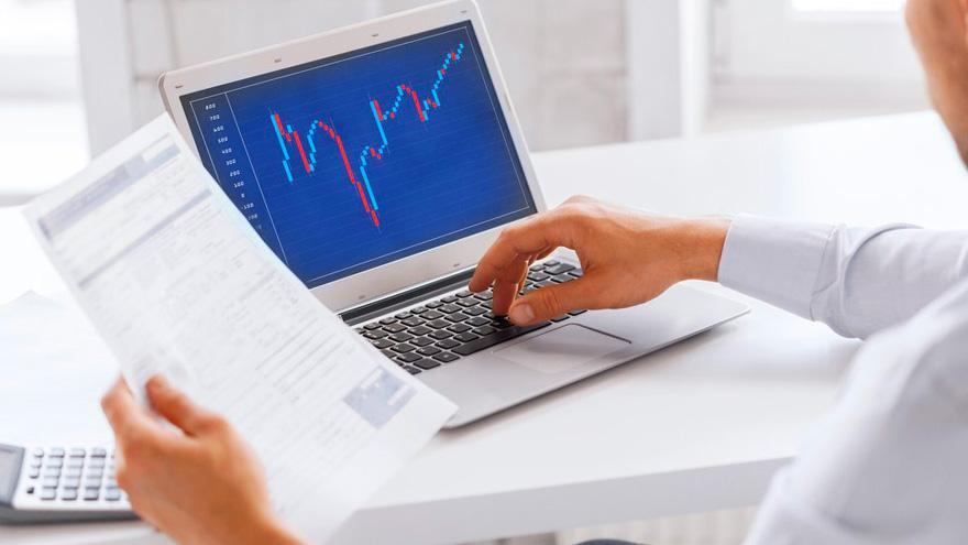 La mira de los inversores se posiciona en acciones de bancos y empresas ligadas a la construcción.
