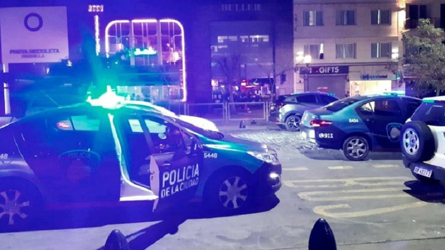 La Policía Federal dispersó a las personas de la calle