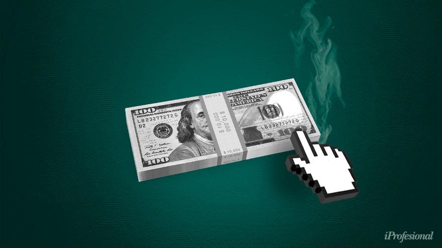 En los bancos, el trámite para la entrega de los dólares de las cuentas de los ahorristas es normal, y se puede reservar turno de un día para el otro.