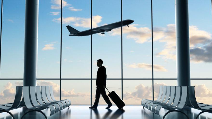 Viajar todavía es una alternativa restringida, pero siempre se puede viajar con una película de Youtube