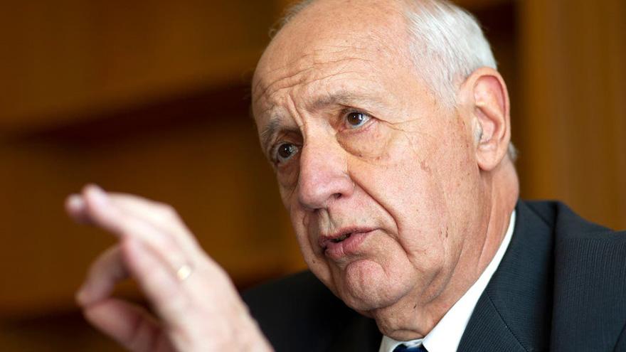 El exministro de Economía corrió el foco hacia una propuesta apoyada por los empresarios y Macri.