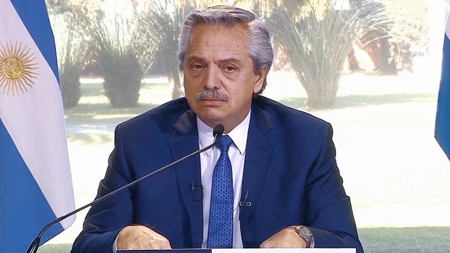 Fernández confirmó que se está evaluando la prórroga del DNU