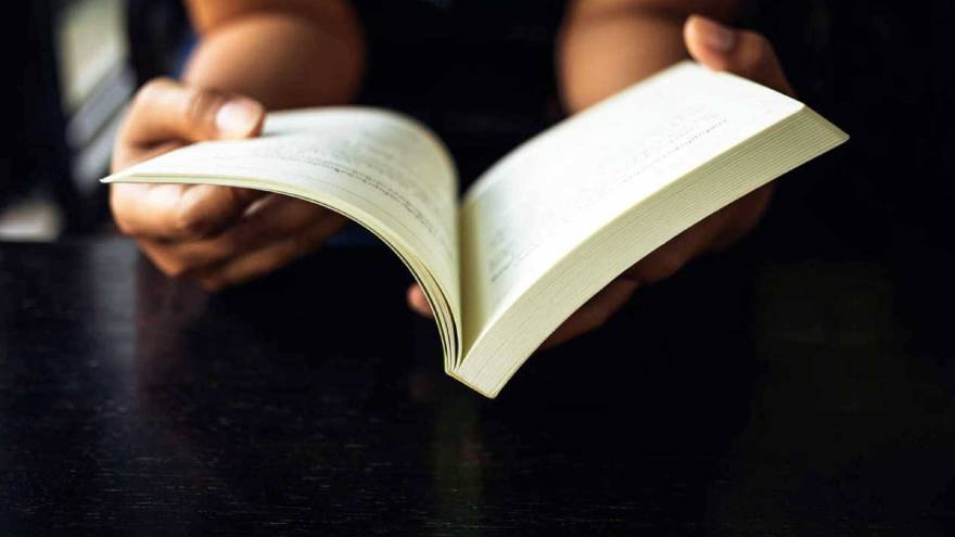Puedes encontrar muchas frases de la vida que te gusten en la obra de famosos autores