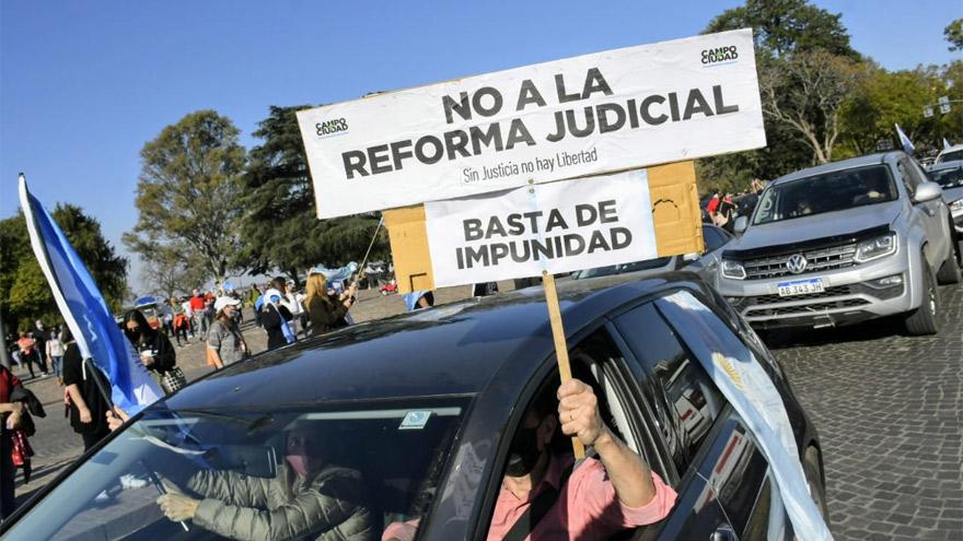 El rechazo a la reforma se manifestó en la marcha opositora del lunes.