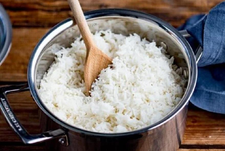 El arroz es uno de los alimentos que contiene carbohidratos