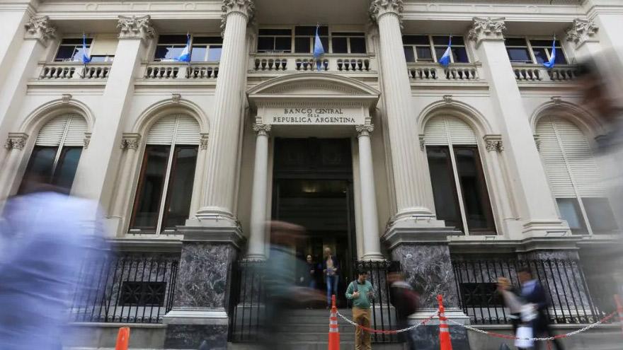 El BCRA sigue asistiendo al Tesoro para pagar el gasto público