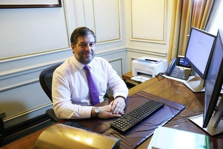 Fue gerente de Investigaciones Económicas y asesor de Política Monetaria del Banco Central de Chile