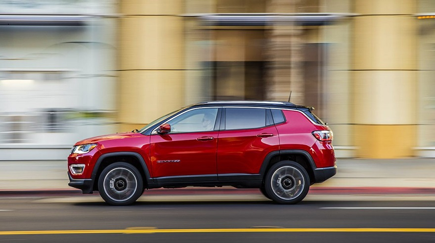 Jeep Compass, el único SUV mediano en el top ten.
