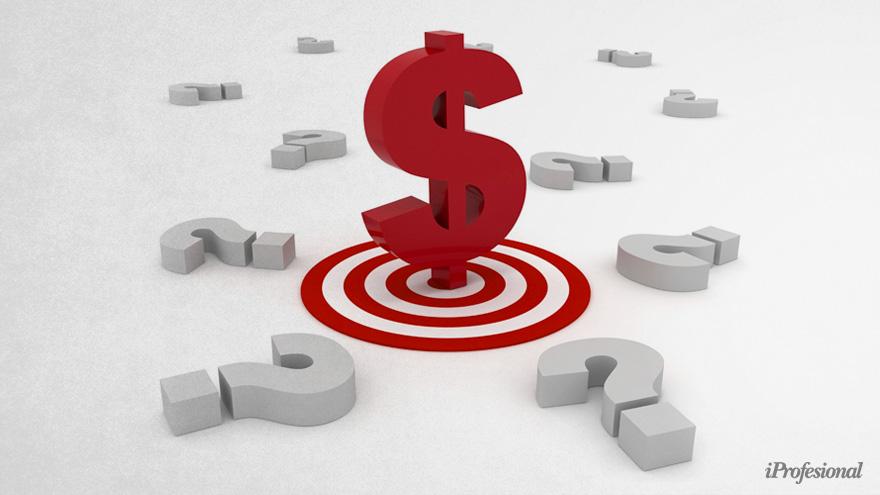 Subir la tasa en pesos podría ayudar a que baje parte de la demanda de dólares