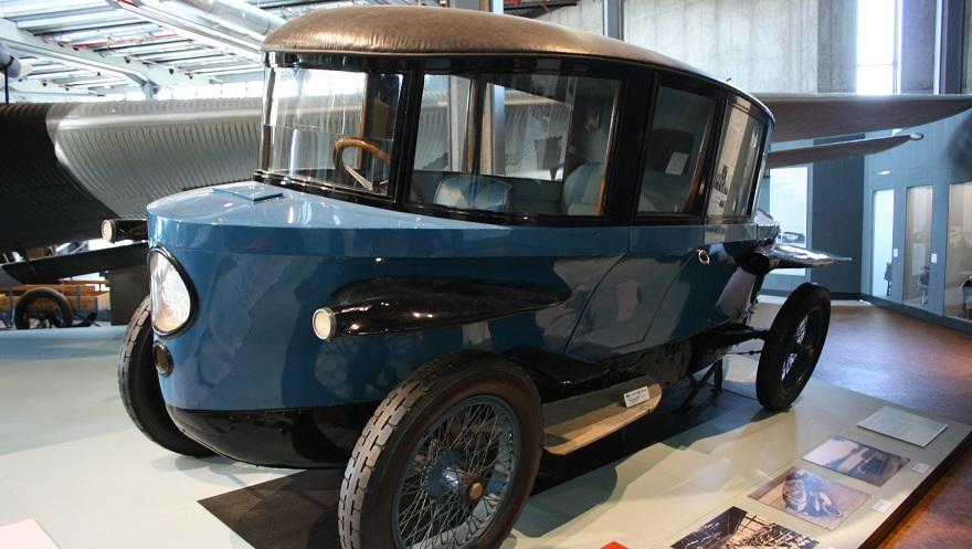 Rumpler Tropfenwagen, el más aerodinámico entre los autos antiguos.