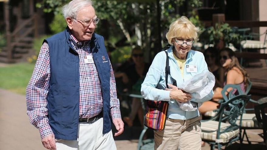 Warren Buffet compró participaciones en 5 compañías comerciales de Japón