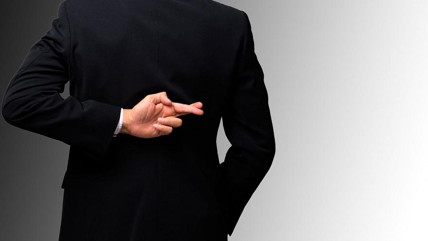Mentir es lo peor que puedes hacer al pensar cómo hacer un currículum que te consiga tu próximo empleo