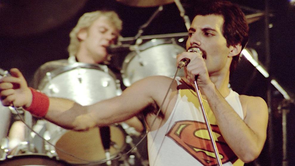 Freddie Mercury en uno de sus recitales