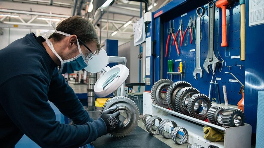 Mercedes Benz retoma el segundo turno de producción.