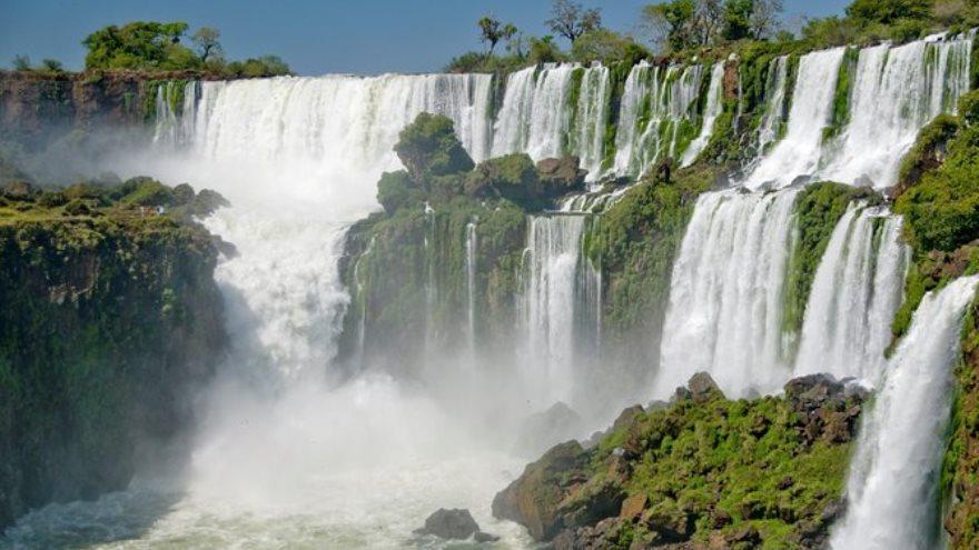 Las cataratas del Iguazú son uno de los destinos más buscados