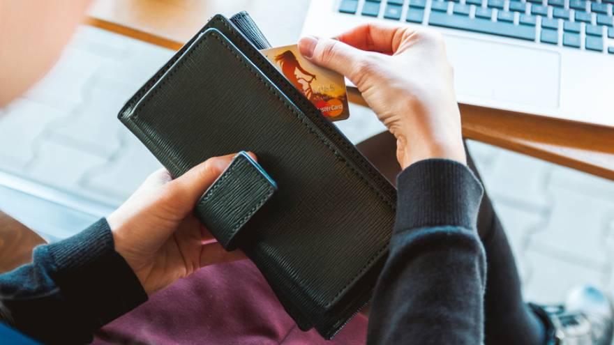 La billetera siempre es un buen regalo para mamá