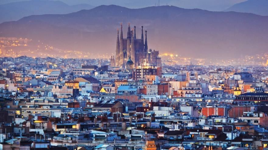 La Sagrada Familia, uno de los principales atractivos turísticos de Barcelona.