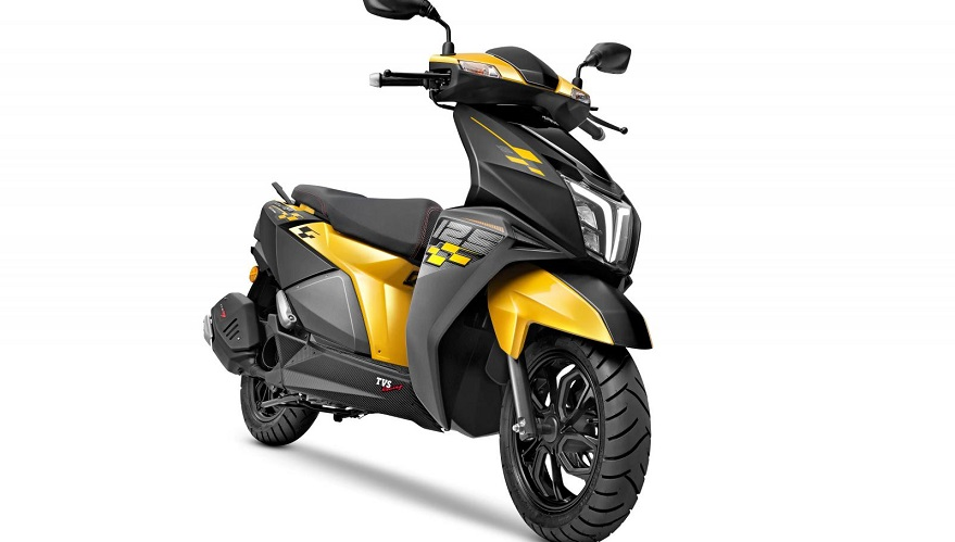 Una moto de la serie NTORQ de TVS.