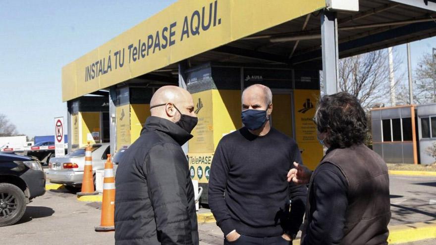 Rodríguez Larreta en una de las estaciones de instalación del TelePase.