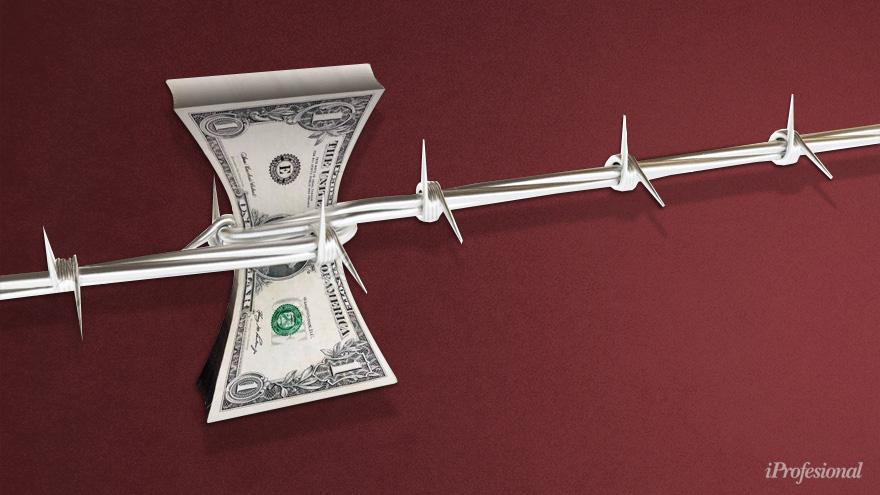 La restricción al acceso de dólares, que fue tomada en nombre de mejorar el comercio exterior, podría generar un efecto inverso al buscado