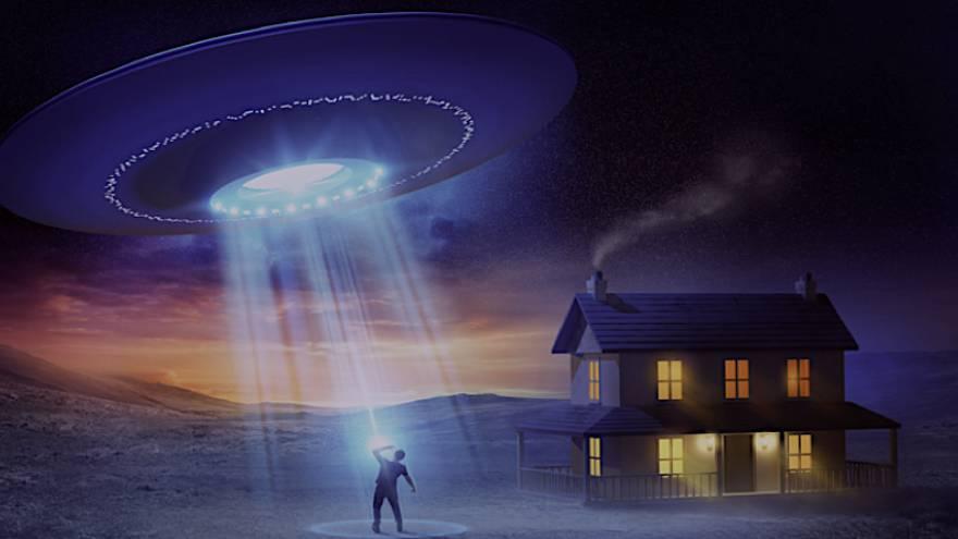 Las abducciones alienígenas son una de las teorías no científicas acerca de la causa del deja vu