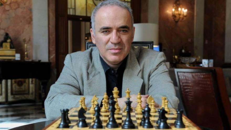 Un algoritmo de inteligencia artificial le ganó a Garry Kasparov en un juego de ajedrez