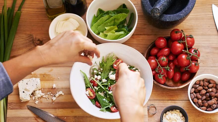 La dieta vegetariana no sería suficiente para llegar a los niveles de calcio necesarios para los huesos