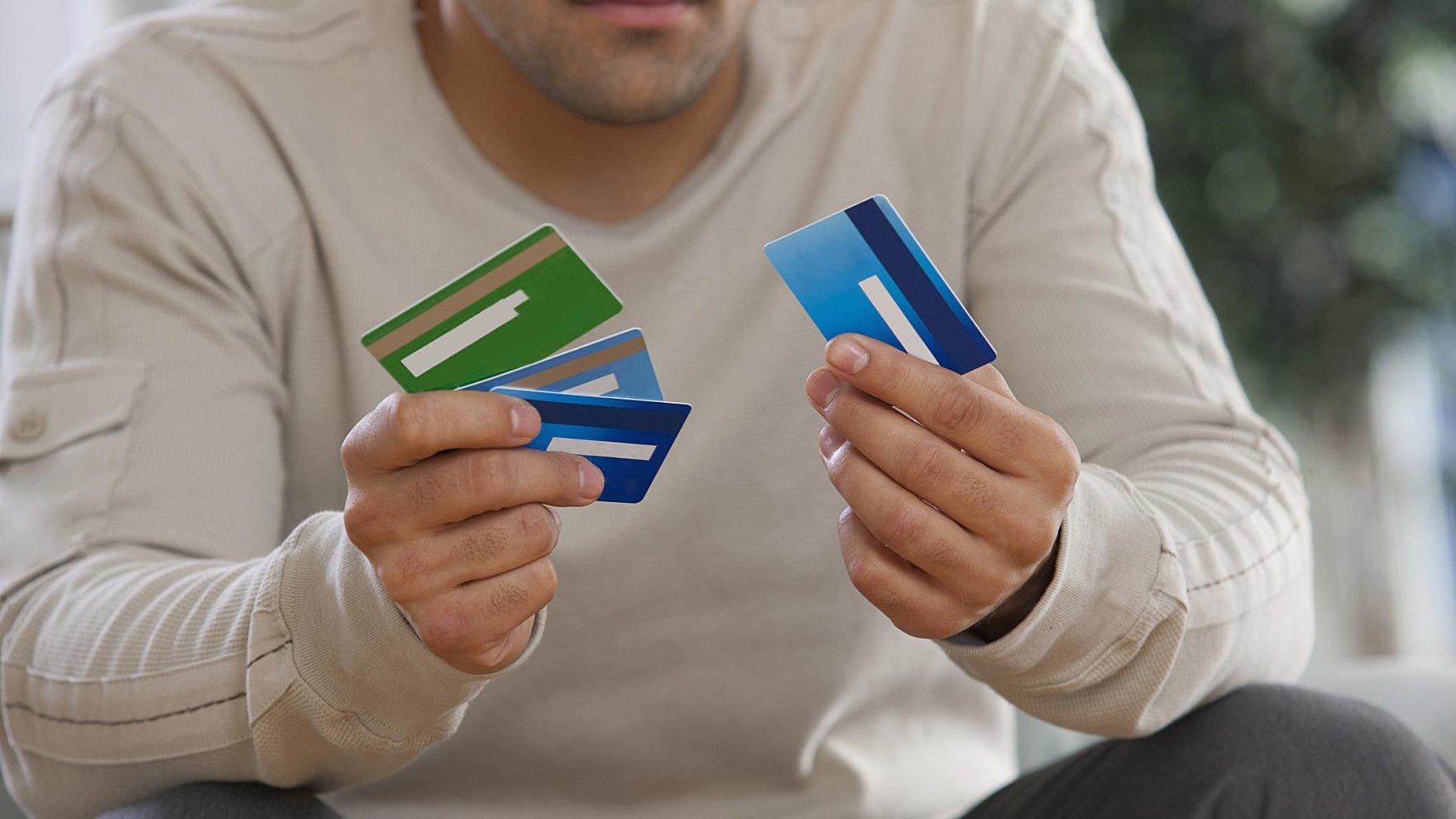 Familias y empresas aumentaron su endeudamiento más del 50 por ciento.