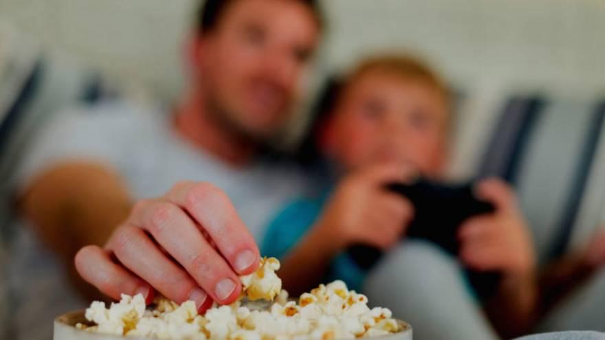 Hay plataformas para ver películas online que también incluyen series y canales de TV