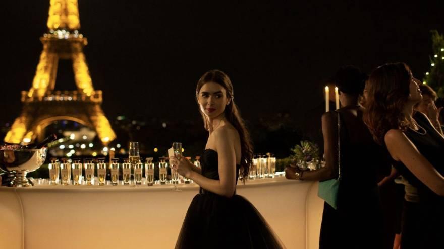 Emily en París es una de las series que se estrena en Netflix en octubre