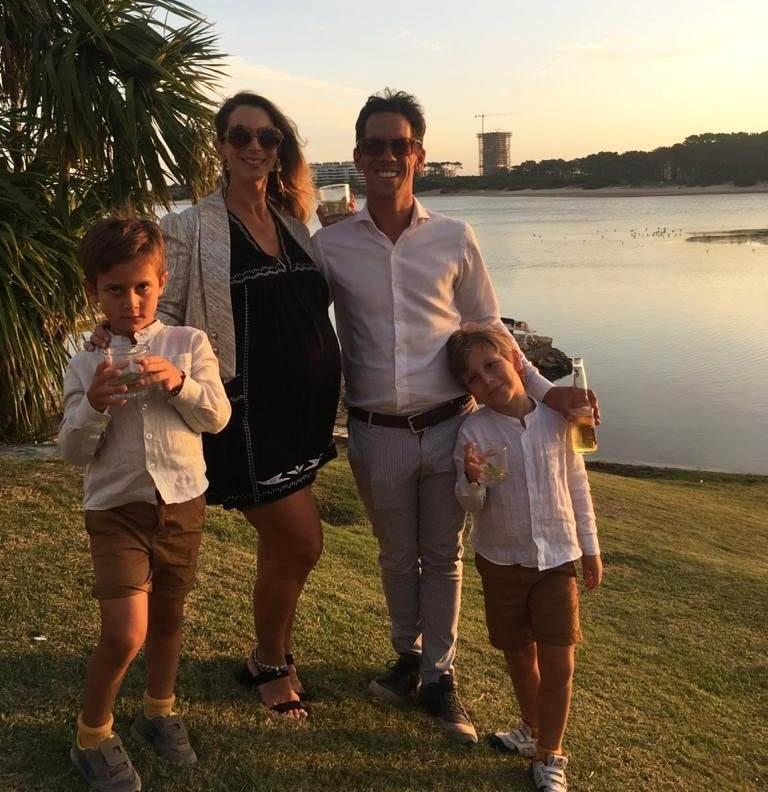 Manuel García Rosa y su familia, que tienen la agencia digital Magoo Family