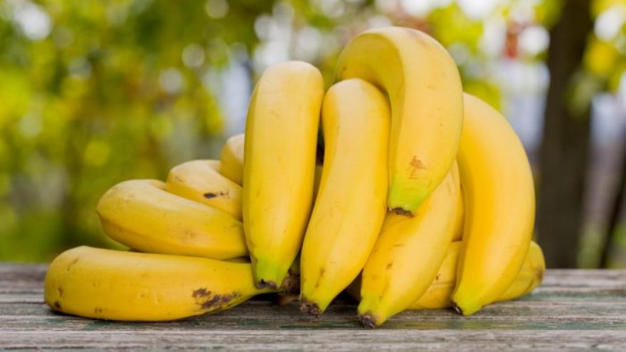 La banana es una de las frutas que puede sumar nutrientes a un desayuno saludable