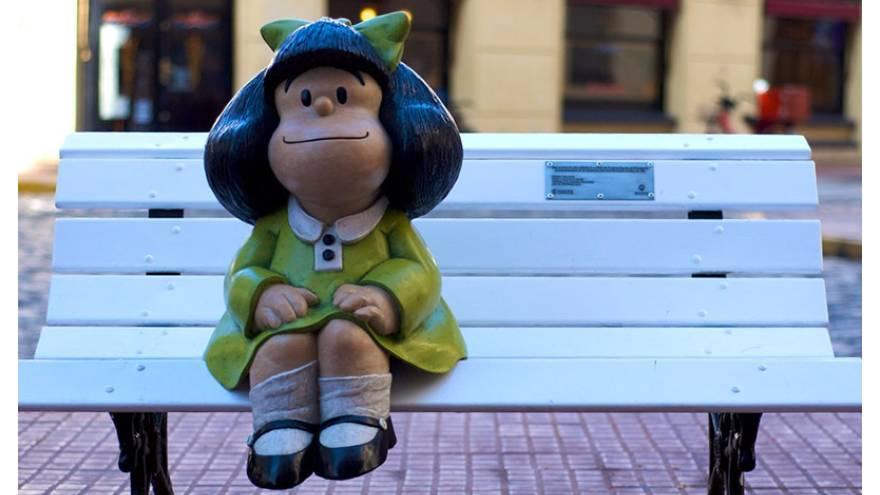 La estatua de Mafalda está en una esquina de las calles de San Telmo