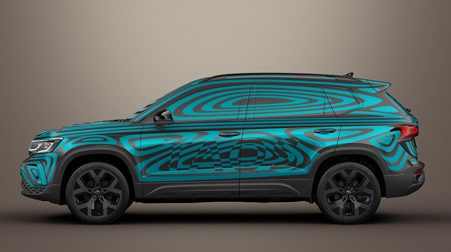 Volkswagen Taos de perfil.