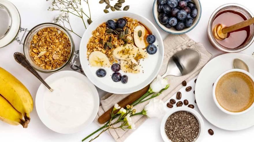 Un desayuno saludable debe contener una variedad de alimentos con distintos nutrientes
