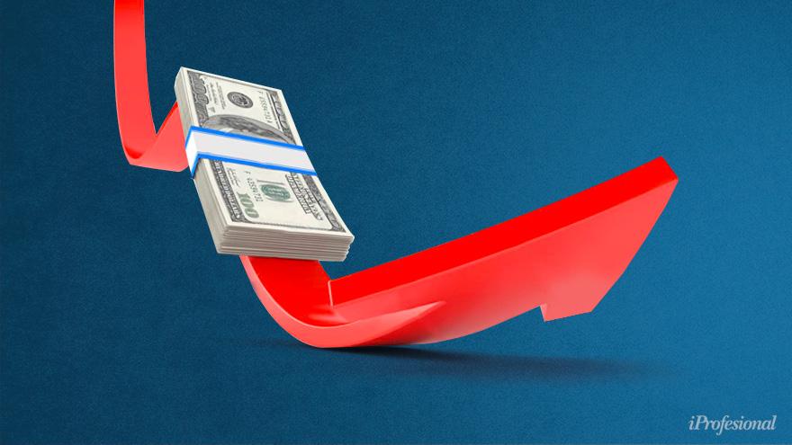 En el mercado se espera una devaluación abrupta del tipo de cambio, y eso hace atractivos a los bonos dólar linked.