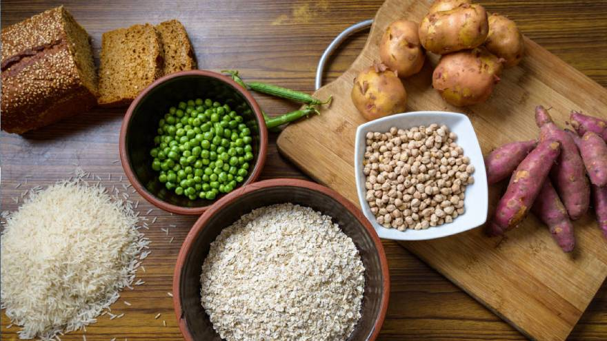 Los alimentos con almidón son algunos cereales, vegetales y legumbres, entre otros