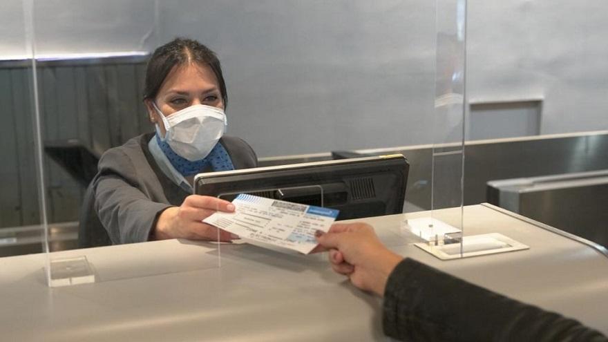 Los extranjeros y residentes argentinos no deberán cumplir con los 14 días de aislamiento al entrar al país