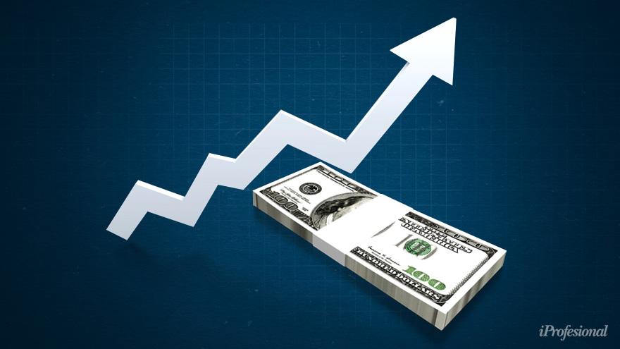 En lo que va de 2020, el dólar blue subió 111% y se ubicó este jueves en 163 pesos