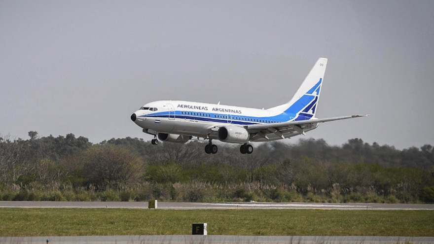 Boein 737 de Aerolíneas, protagonista en las rutas de cabotaje.