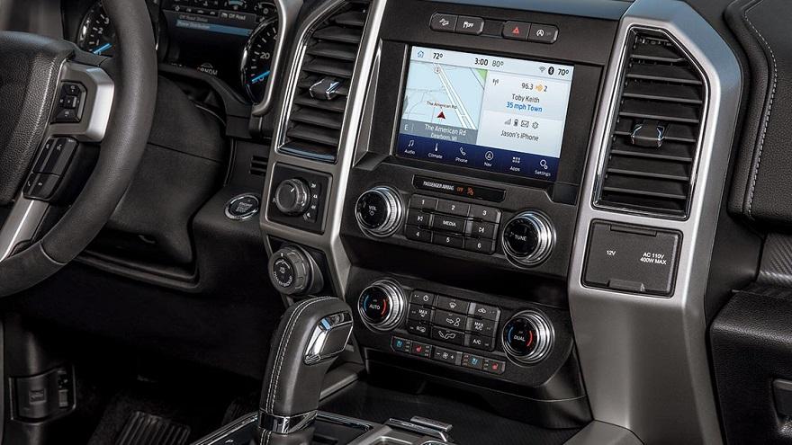 Tecnología y confort definen el interior de la Ford XL.