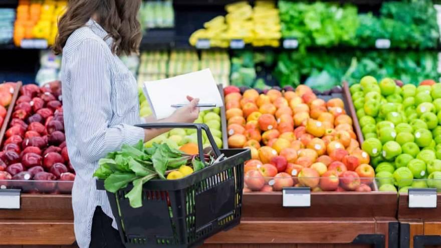 La alimentación es uno de los factores que puede contribuir a mejorar el sistema inmunológico