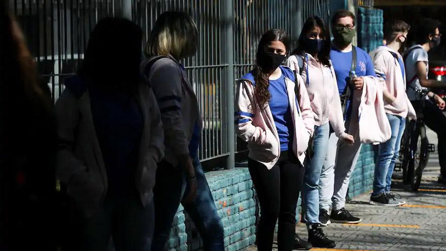 Argentina, entre los países con más contagios en el mundo.
