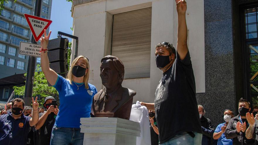 El busto de Néstor Kirchner que inauguró la CGT.