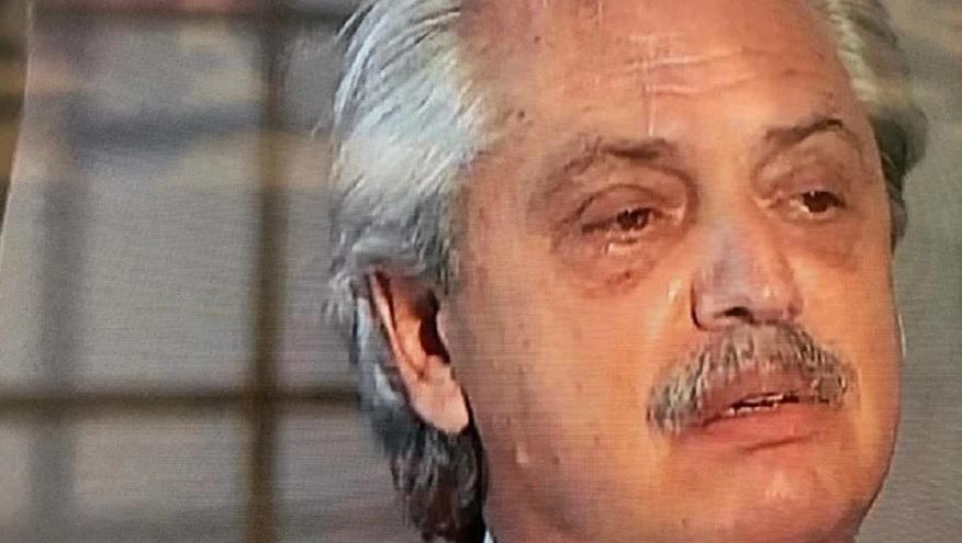 Alberto Fernández, visiblemente cansado y con ojeras