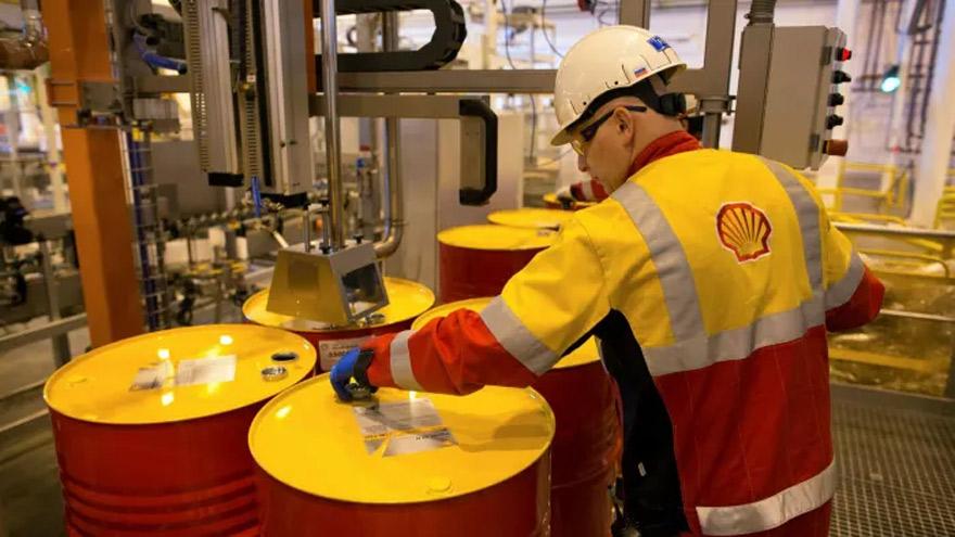 El precio del crudo se hundió debido al freno a la actividad en todo el planeta.