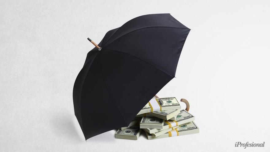 Comprar futuros de dólar brinda cobertura ante un salto del tipo de cambio oficial